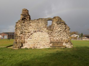 South wall of Radcliffe Tower, showing one of the huge fireplaces